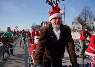 120217_santacyclegingerbread_0234