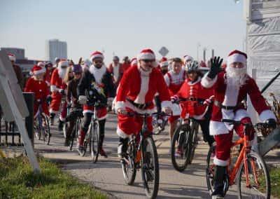 120217_santacyclegingerbread_0272