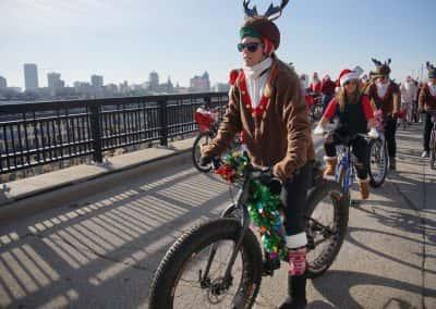 120217_santacyclegingerbread_0294