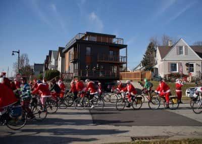 120217_santacyclegingerbread_0320