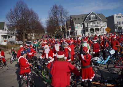 120217_santacyclegingerbread_0335