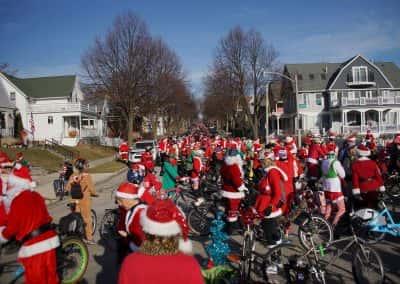 120217_santacyclegingerbread_0353