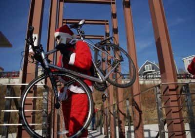 120217_santacyclegingerbread_0417