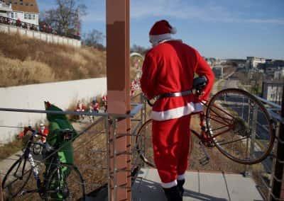 120217_santacyclegingerbread_0426