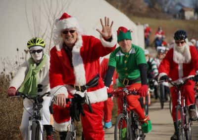 120217_santacyclegingerbread_0442