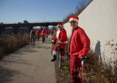 120217_santacyclegingerbread_0453