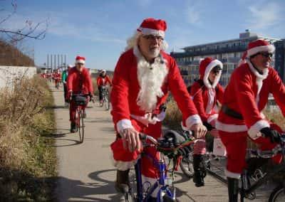 120217_santacyclegingerbread_0483