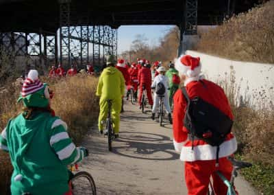 120217_santacyclegingerbread_0489