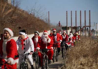 120217_santacyclegingerbread_0508
