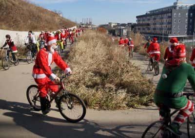 120217_santacyclegingerbread_0524