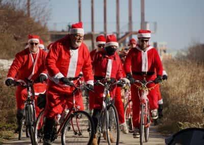 120217_santacyclegingerbread_0617