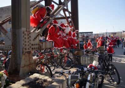 120217_santacyclegingerbread_0672