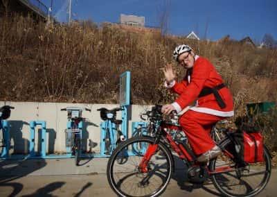 120217_santacyclegingerbread_0704