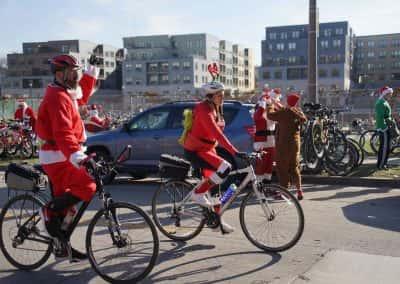 120217_santacyclegingerbread_0707