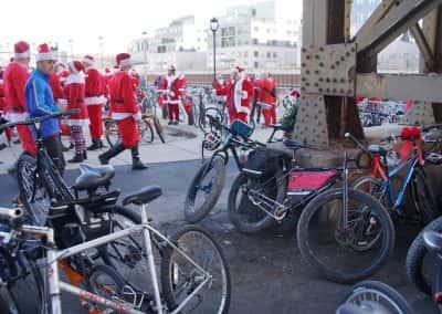 120217_santacyclegingerbread_1063