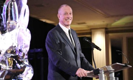NFL legend Jim Kelly honored with Vince Lombardi Award as he prepares for cancer surgery