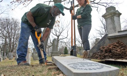 Adopt-A-Soldier program gives headstones to Milwaukee's forgotten Civil War heroes