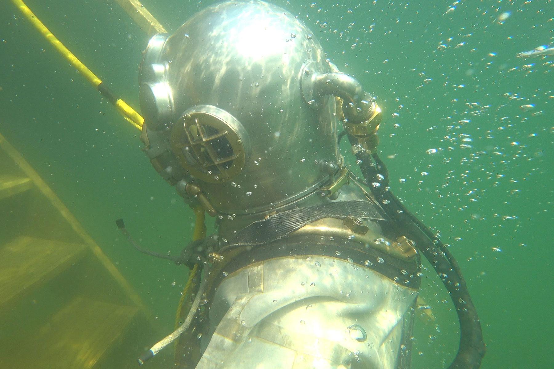 071218_classicdiving_4kstills_002