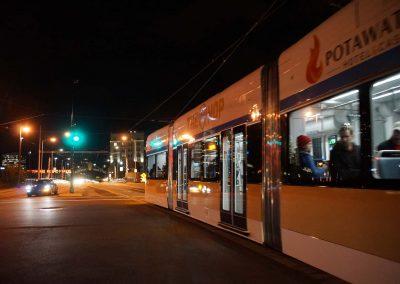 110218_streetcarstartsnight_540