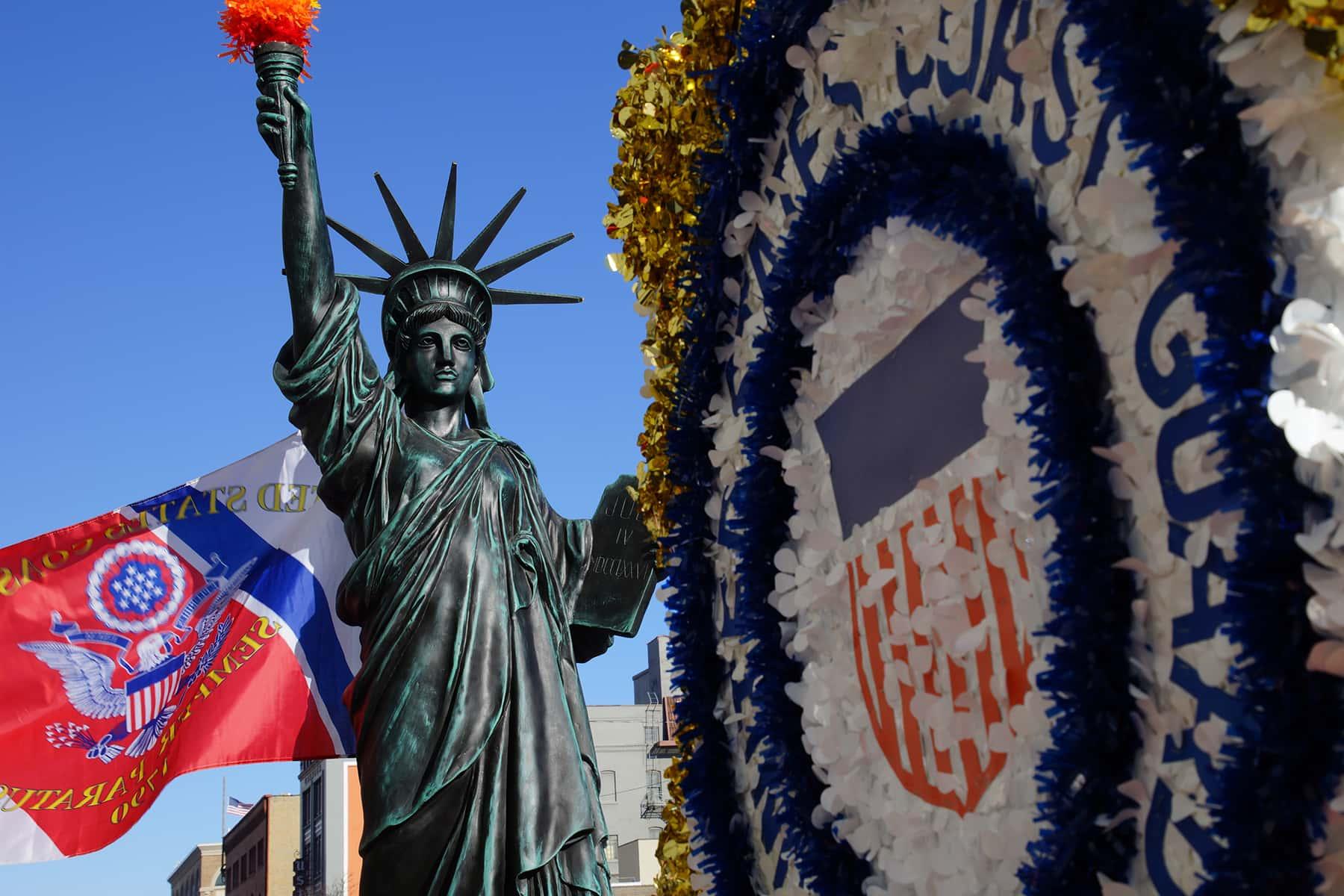 111018_veteransdayparade_0029