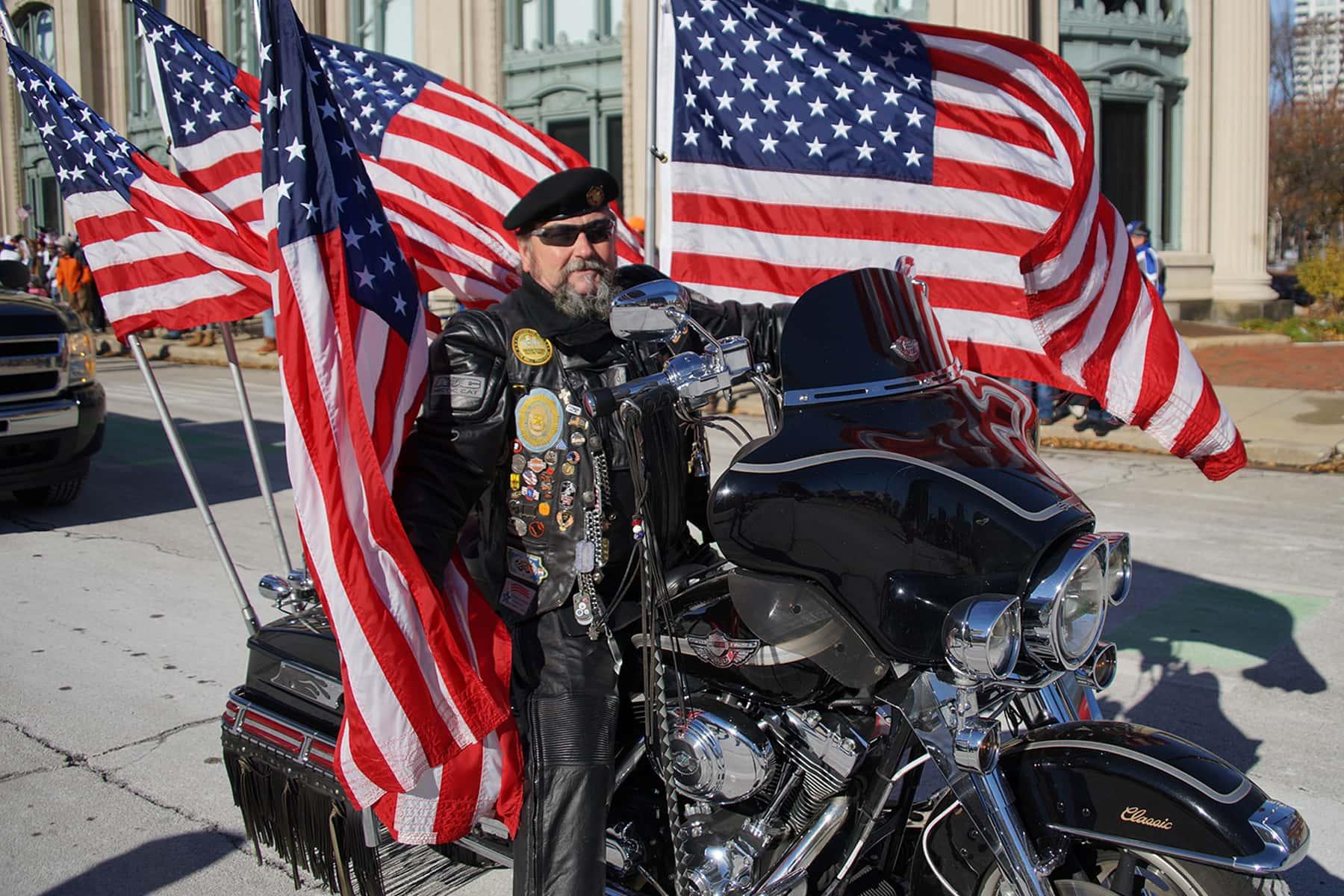 111018_veteransdayparade_0857