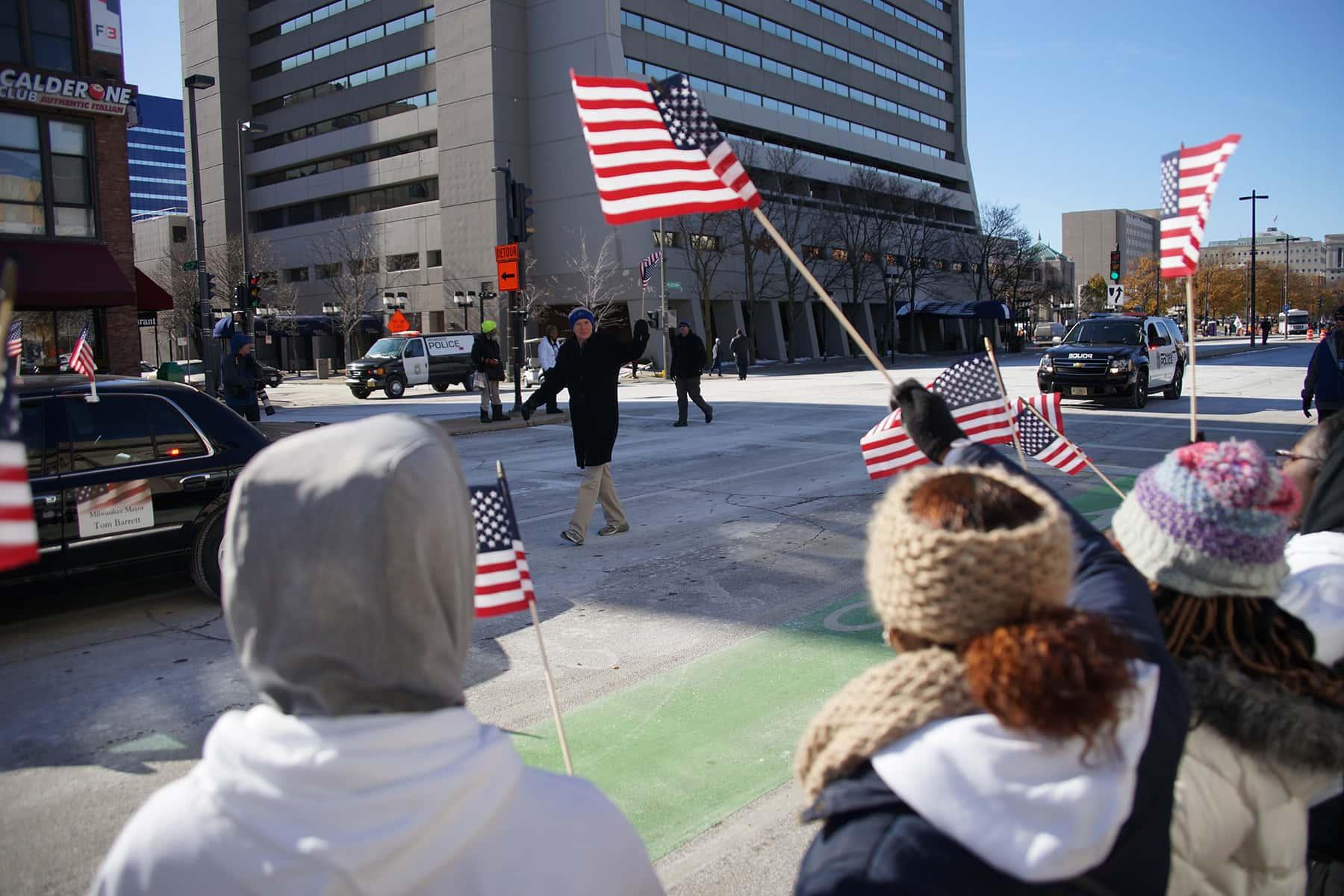 111018_veteransdayparade_0892