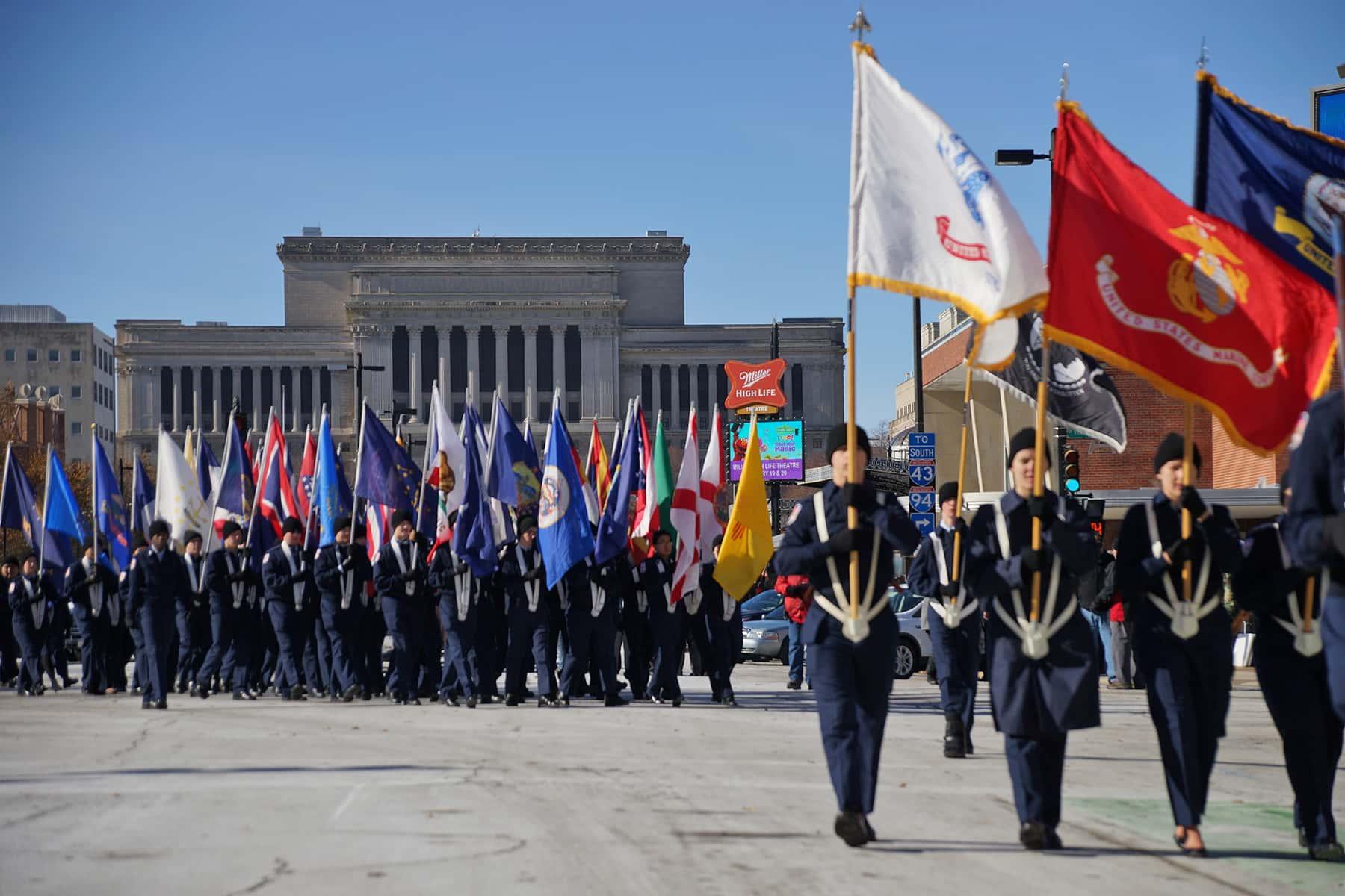 111018_veteransdayparade_1103