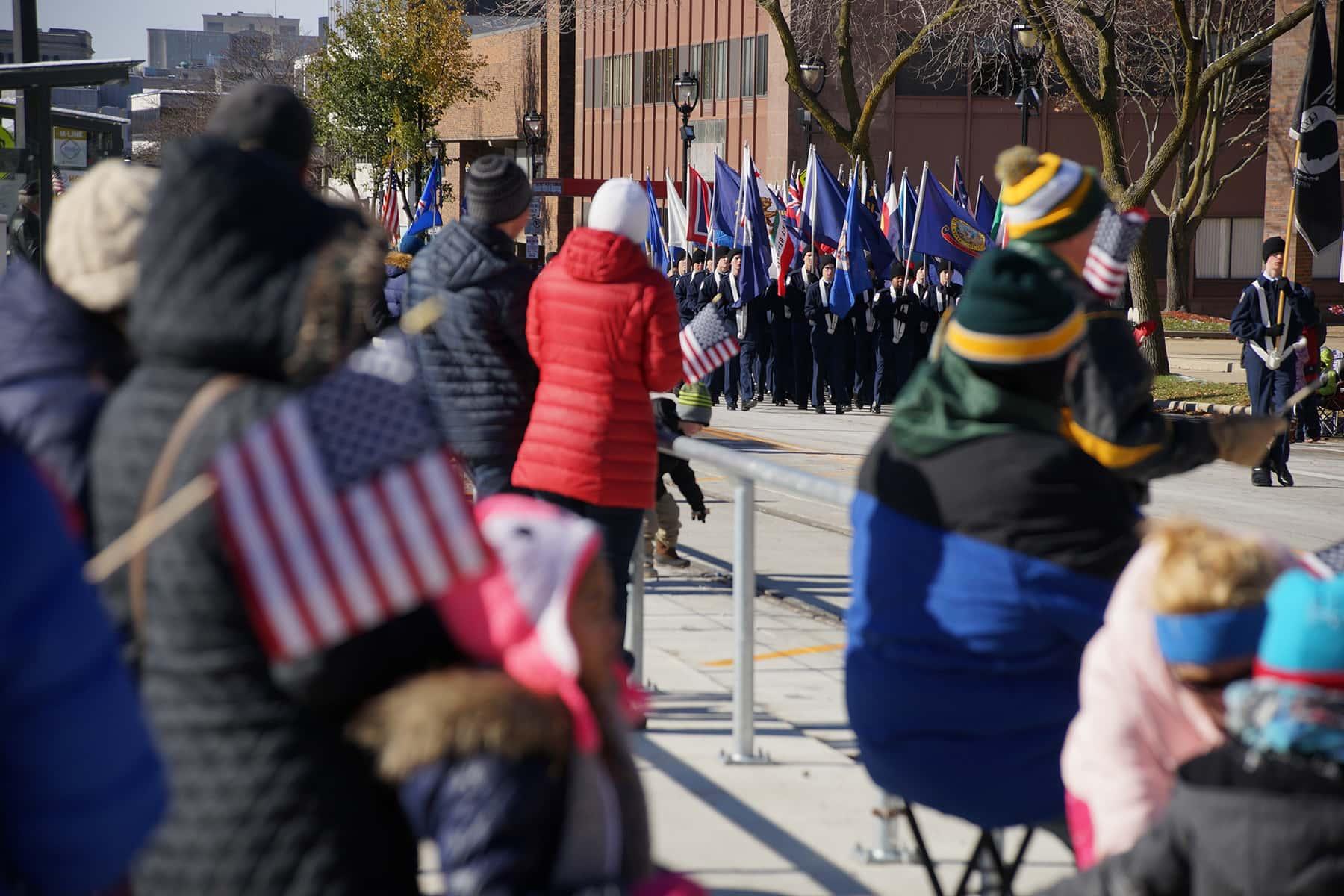 111018_veteransdayparade_1424
