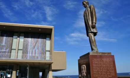 Gaetano Cecere's Abraham Lincoln statue has remained a cherished Lakefront memorial for decades