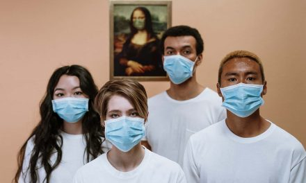 Avoiding Maskne: How to protect your skin from acne caused by pandemic safety habits