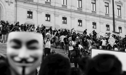 An opposition to violent supremacy: The varied and decentralized nature of a collective self-defense
