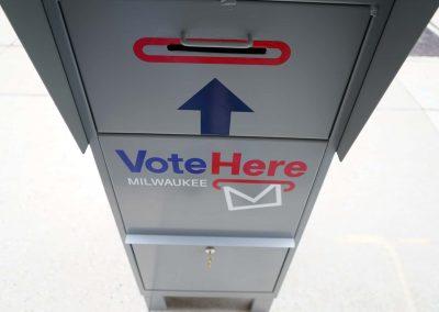 091020_voteboxinstall_270