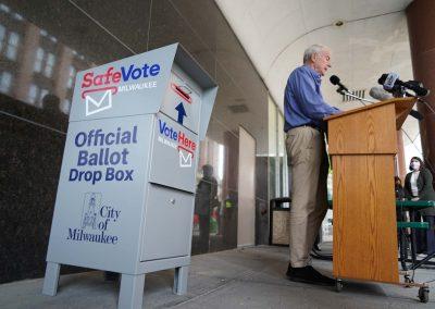 091020_voteboxinstall_525