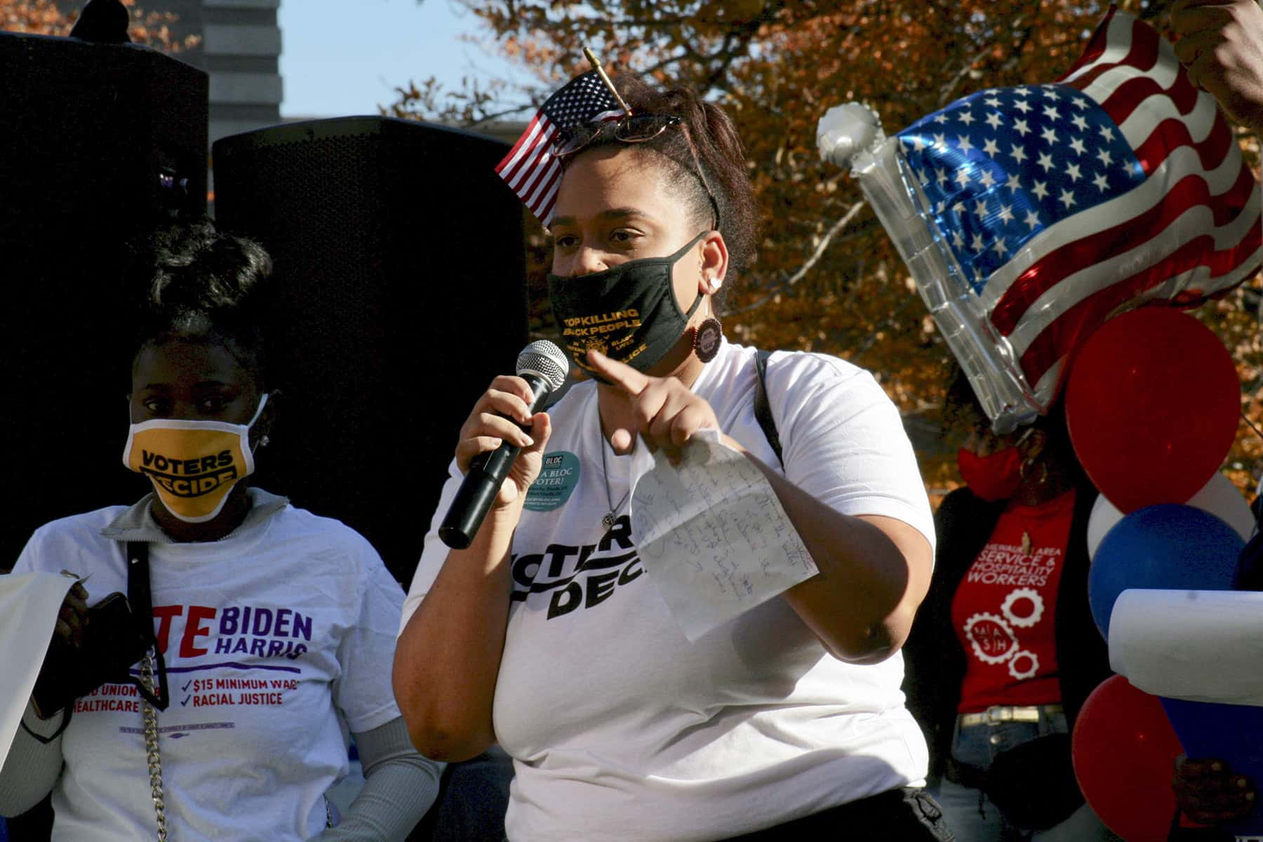 111120_blackvoters_02