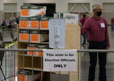 112120_voterecountday02_089
