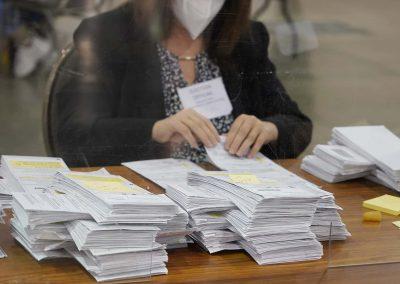 112120_voterecountday02_391