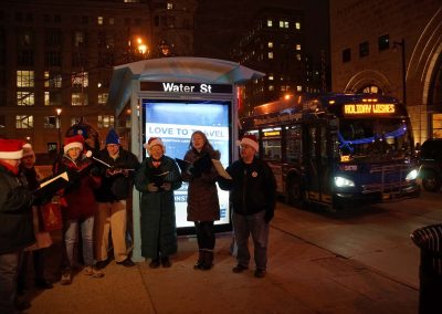 x4_121719_holidaymcts_330