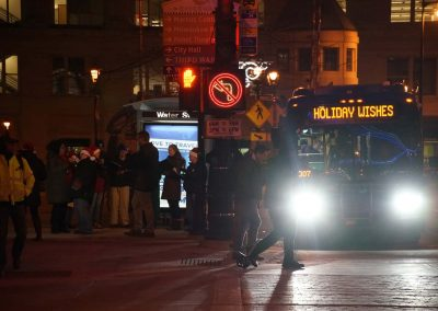 x4_121719_holidaymcts_339x