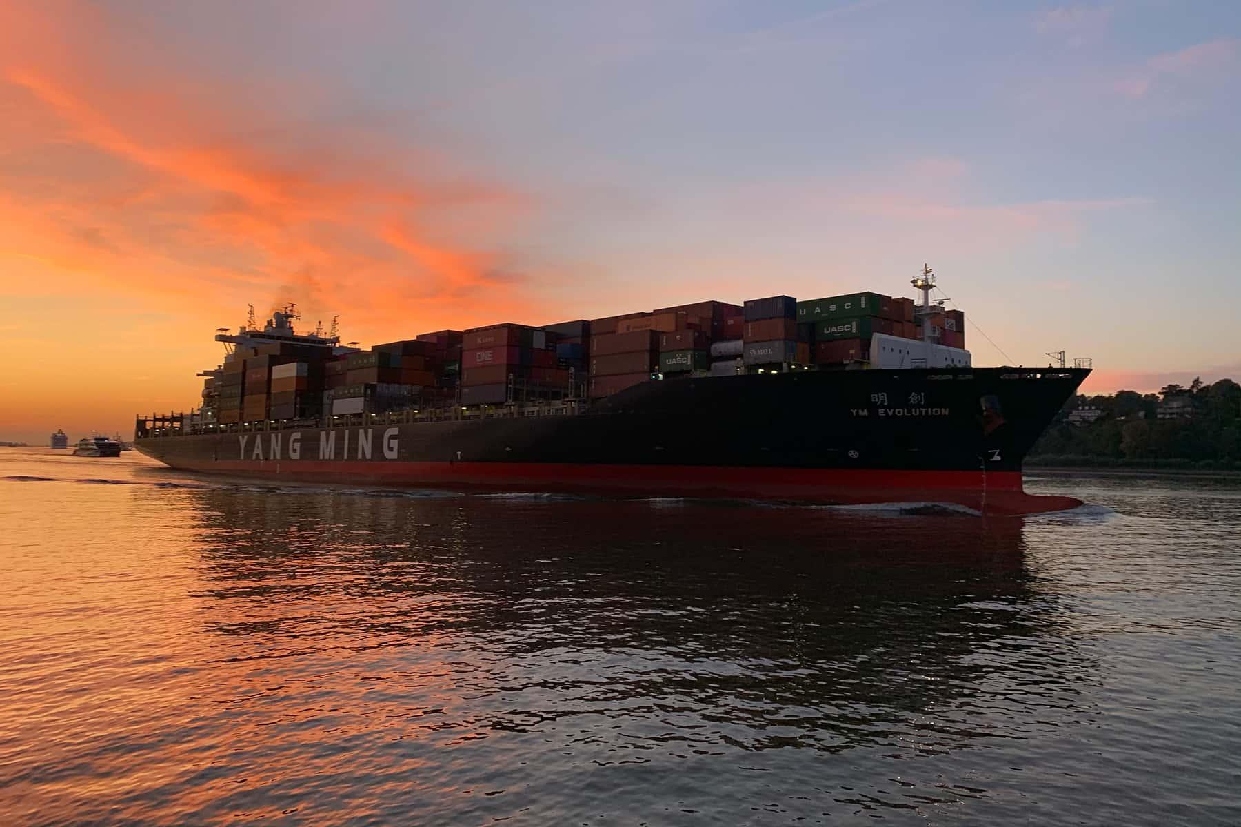 040621_ShippingFiasco_03