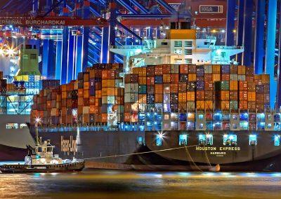 040621_ShippingFiasco_06_JuliusSilver