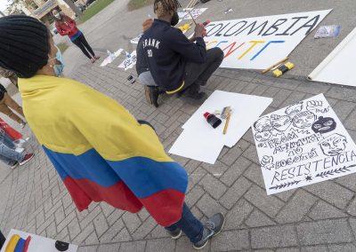 051121_ColombiaMarchSOS_012