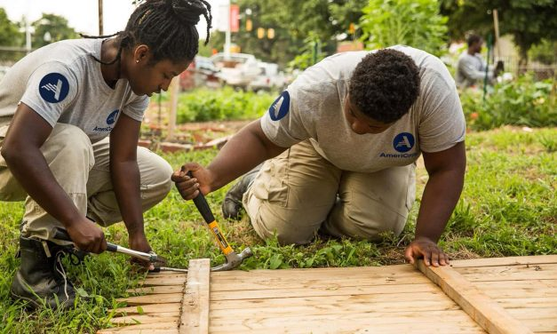 AmeriCorps programs that serve Milwaukee receive $2.4M in funding to expand community assistance